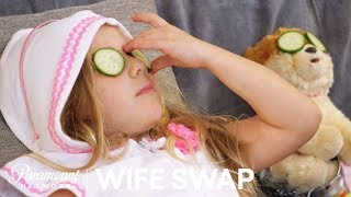 'Rich People Are Fun' | Wife Swap Official Highlight