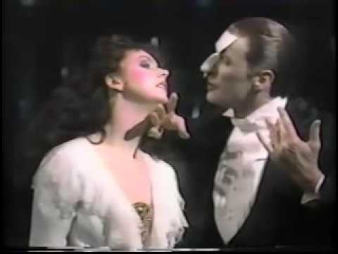 The Music of the night - El fantasma de la Ópera - ? y Sara Brightman- 1988
