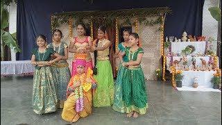 సంక్రాంతి కోలాహలం (Awsome Sankranti Dance)
