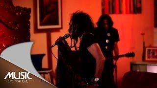 Video Ipang Lazuardi - Cinta Baru (Live at Music Everywhere) * download MP3, 3GP, MP4, WEBM, AVI, FLV Agustus 2017