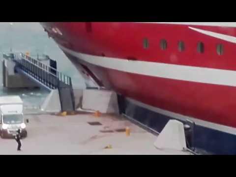 Viking Line Grace Collides 11.1.2017 Mariehamn Åland