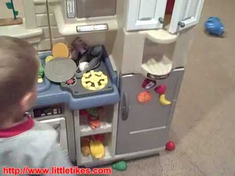 Little Tikes Inside/Outside Cook \'n Grill Kitchen - YouTube
