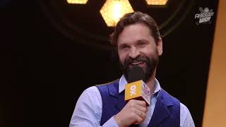 Анекдот Шоу: Виктор Добронравов про встречу с фанаткой на пляже