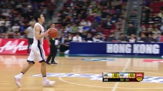 Video Siu Wing Chan crosses over the defender and drives hard to the basket download MP3, 3GP, MP4, WEBM, AVI, FLV Agustus 2017