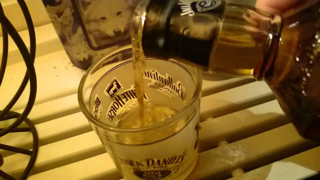 Christmas gift: Jack Daniels - YouTube