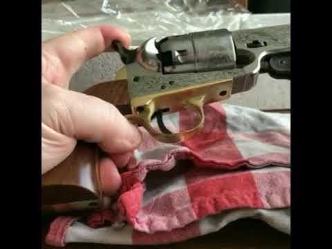 DEBALLAGE UNBOXING Revolver navy yank sheriff Colt 1851  Pietta Cal 44  LE POUDREUX