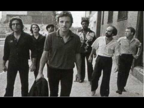 Bruce Springsteen & The E Street Band - Trapped (USA For Africa, Meadowlands 8-5-84)