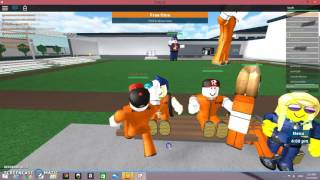 ROBLOX| OMG COP HELPED ME ESCAPE|30 SUBS THANCKS GUYS