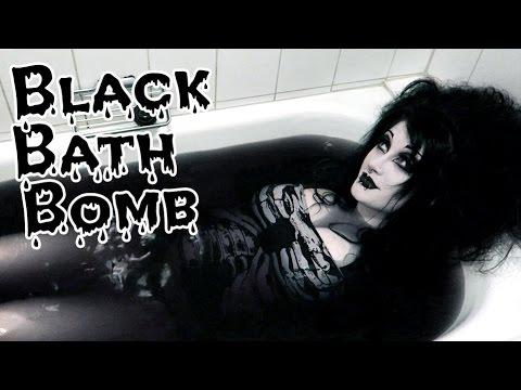 TRYING THE BLACK BATH BOMB | Black Friday