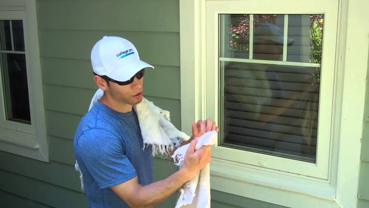 How To Clean A Window Quickly Easily Like Pro You