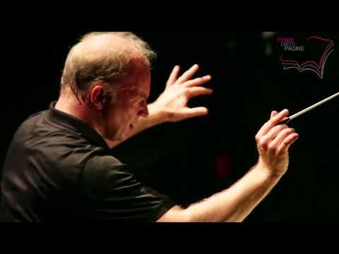 Il Maestro Gianandrea Noseda dirige le prove d'assieme del FAUST