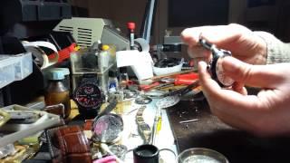 Замена каучукового ремешка в часах улис нардин(Замена каучукового ремешка в часах улис нардин дуал тайм. http://euro-time.com.ua/kauchukoviy-remeshok-dlya-ulysse-nardin/, 2014-01-20T18:38:28.000Z)