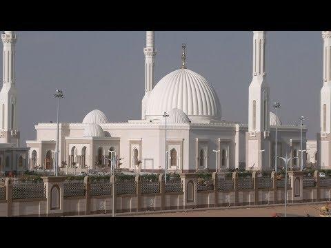 السيسي يفتتح مسجد -الفتاح العليم- وكاتدرائية -ميلاد المسيح-