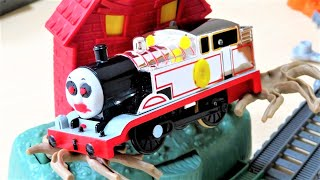 Timothy The Ghost Engine Thomas & Friends Trackmaster Plarail thumbnail