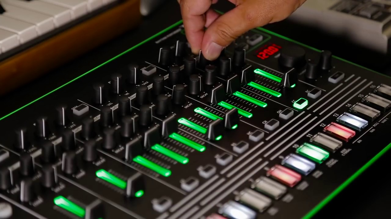 roland aira tr606 kit in the 7x7 tr8 drum machine expansion youtube. Black Bedroom Furniture Sets. Home Design Ideas
