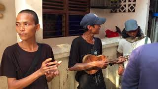 Real Pengamen Tampang Pencopet Baru Keluar Dari Penjara Sekarang Udah Bertobat Lagu Nya Melo Banget