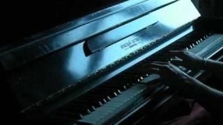 Странные танцы на фортепьяно