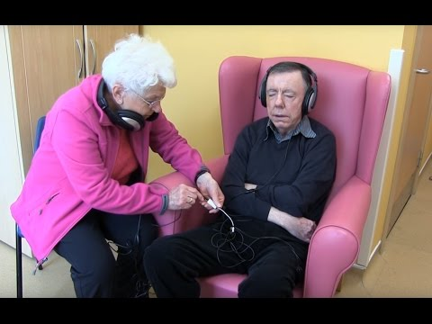 Patients With Dementia Benefit from Playlist for Life