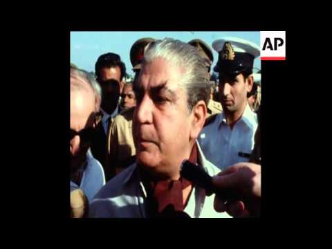 SYND 26-11-70 PRESIDENT YAHYA KHAN TOURING FLOOD RELIEF OPERATION