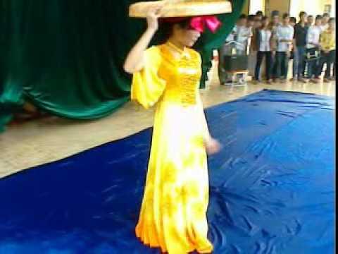 Học sinh thanh lịch- Múa Những cô gái Việt Nam.3gp