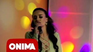Смотреть клип Aida Doci - Do Ta Thej Gitaren