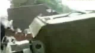 Грузинские танки стреляют по домам в Цхинвали. 8 августа