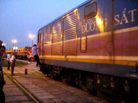 [319] D19E-944 và D19E-941 về kho (15.10.2011)