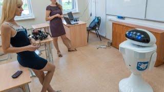 Первый робот-учитель провел урок в Казани