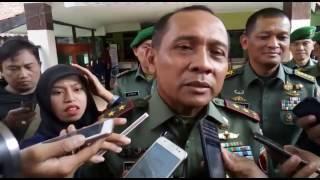 Pangdam V Brawijaya Membesuk KH  Hasyim Muzadi | Malang Berita