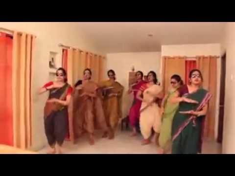 Indian ladies dace - lungi dance song yo yo honey singh