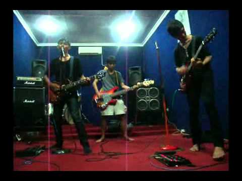 Sunday In Monday - it's my 1st love and broken heartcover.mp4