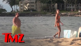Hot Model in Bikini Dates Pabst Blue Ribbon Heir | TMZ thumbnail