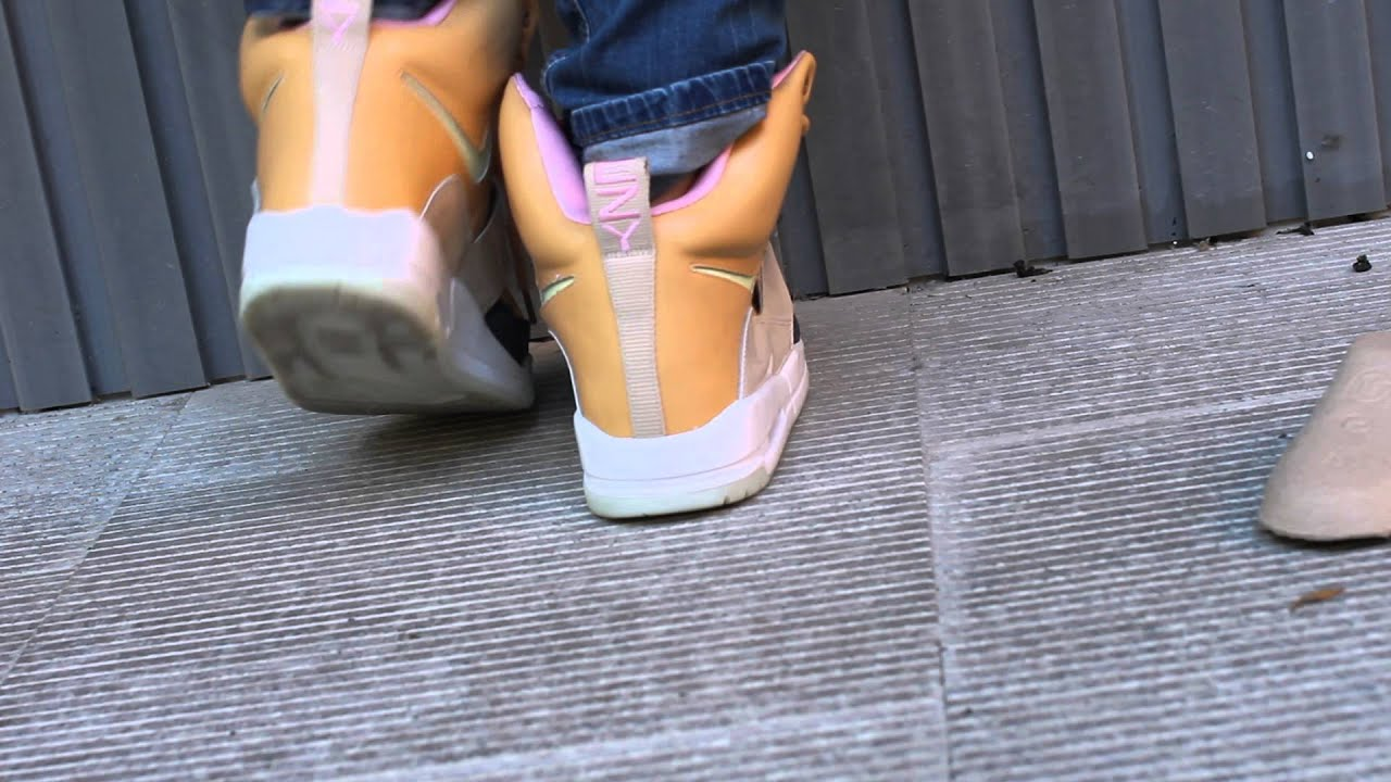 replica yeezy 1 tan - YouTube