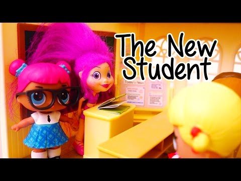 New Student at School ! Toys and Dolls Fun Opening LOL Surprise Blind Bag Balls
