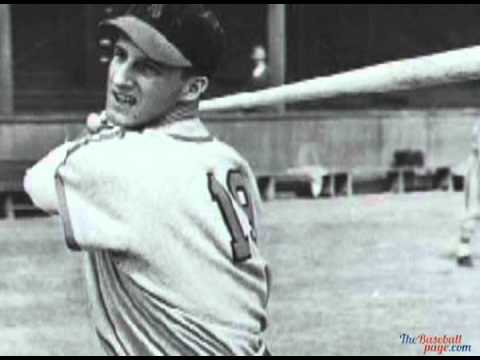 Stan Musial hits 4 straight home runs at 41 on July 8