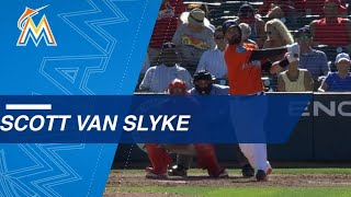 STL@MIA: Scott Van Slyke crushes two homers in spring debut