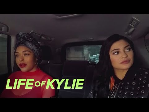 Jordyn Woods Feels Like Kylie Jenner's Tag Along | Life Of Kylie | E!