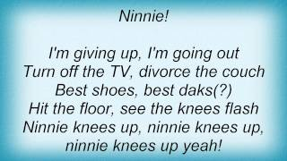 Watch Split Enz Ninnie Knees Up video
