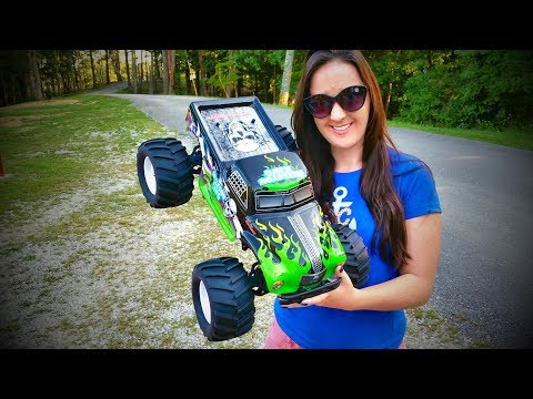 Skeleton King RC Monster Truck - It's HAUNTED! - Pineal Model 1/8 SG-801 - TheRcSaylors