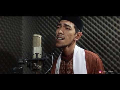 Sajadah Panjang (Cover) by Achyar Yahbang