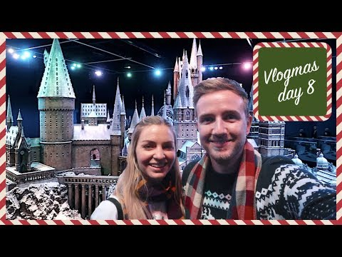 CHRIS AND EVE GO TO HOGWARTS! | VLOGMAS DAY 8