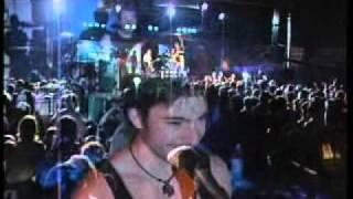 TOSE  PROESKI - MAKEDONSKO  DEVOJCE + PORAKA NA KONCERT - MOSTAR 2006.flv