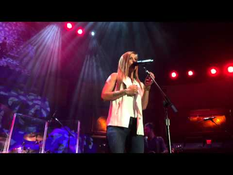 Cassadee Pope performing New song -...