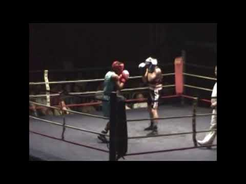 Ibrahim M'Roivili au gala de boxe de Marcheprime - Ussap Boxe - 2006