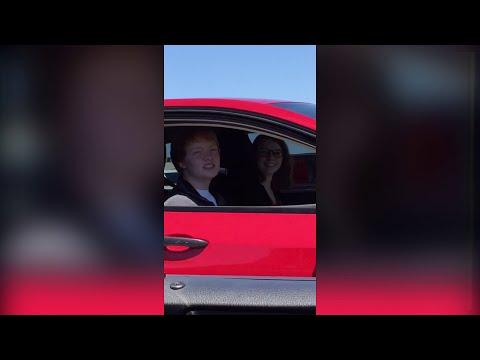 Ginger dude in car singing along with Unwritten [FULL SONG] - Natasha Bedingfield