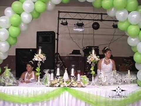 Quincea era en mesa de honor youtube for Decoracion de pared para quinceanera
