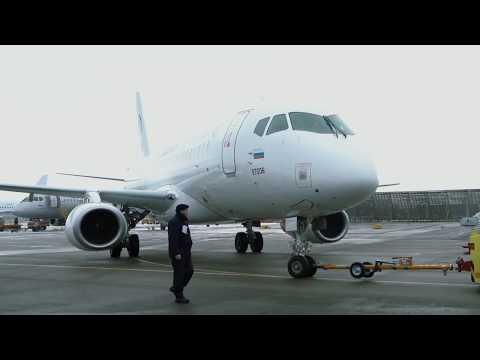 Sukhoi Superjet 100  с  законцовками крыла