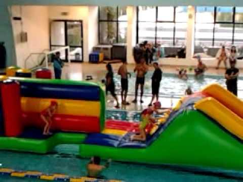 Gonfiabili da acqua piscina di pontedera pi giochi for Piscina pontedera