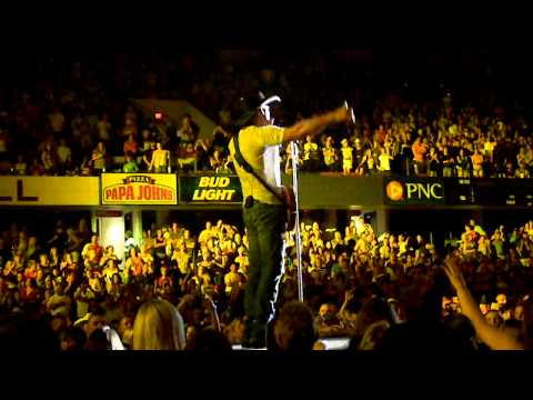 Tim McGraw- Southern Voice Kentucky State fair.MOV