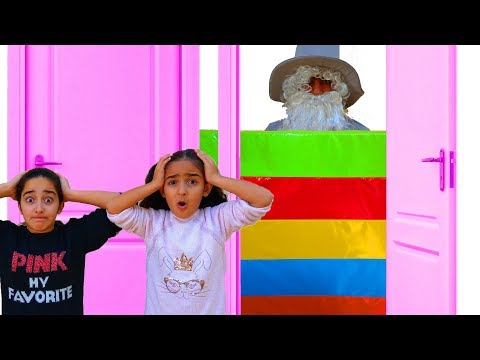 Esma and Asya play Hide and Seek Grandfather fun video